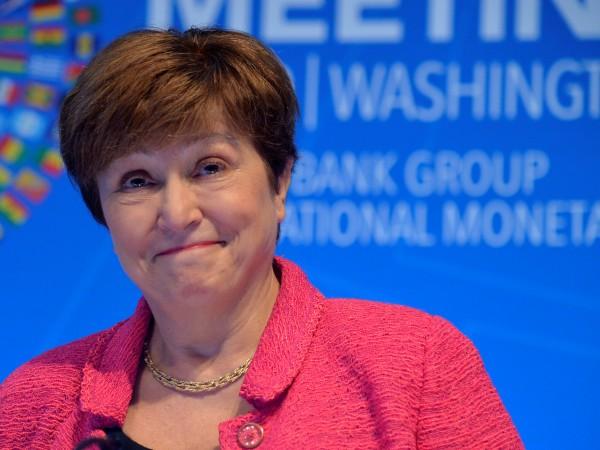 """Под заглавие """"Посрещнете най-влиятелната жена във Вашингтон, която не се"""