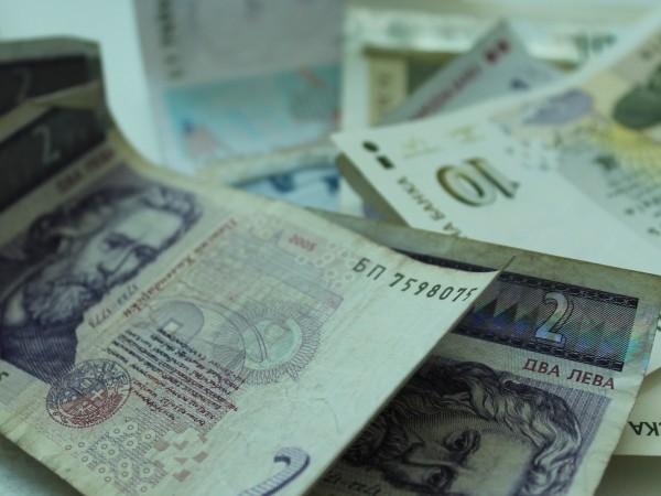 """Сектор """"Държавно управление"""" отчита бюджетен излишък от 1 921 млн."""