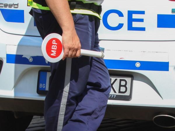 Пияна германка за волана спипаха полицаите от Полски Тръмбеш. 29-годишната