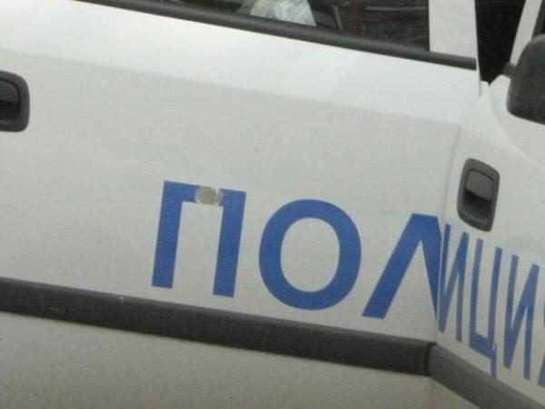 Столични полицаи задържаха двама мъже за кражба на кабели, съобщиха