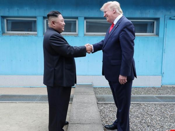 Севернокорейският лидер Ким Чен Ун смята, че връзката, която има