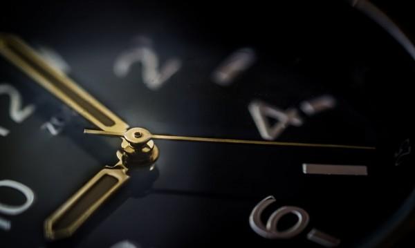 Минаваме на зимно време: Връщаме часовника с час назад в неделя