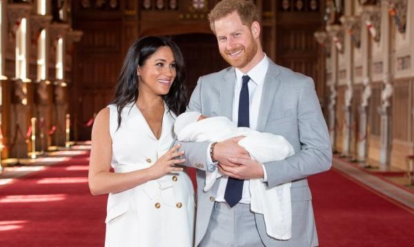 Хари и Меган аут от кралския двор - възможно ли е?