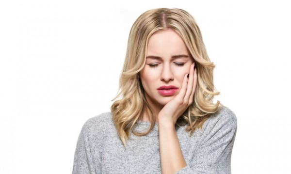 Кои храни да избягвате, ако имате чувствителни зъби