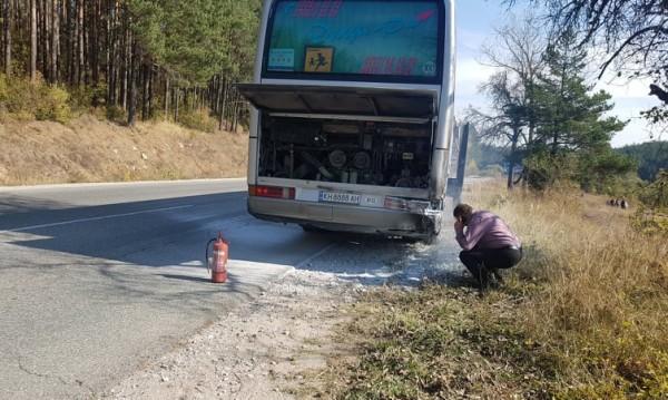 """Автобус с деца се самозапали на """"Предела"""""""