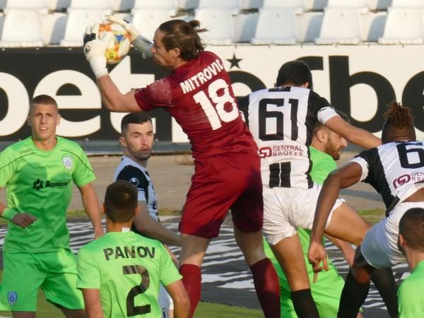 Локомотив (Пловдив) победи с 1:0 у дома Черно море в