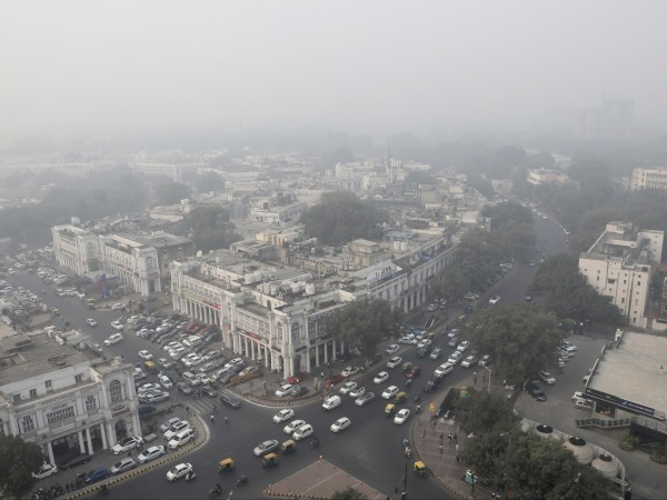Снимка: В Делхи извънредно положение заради мръсен въздух
