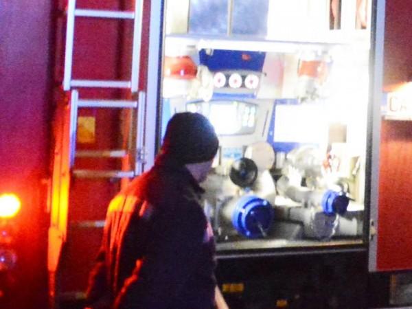 Лек и товарен автомобил са били запалени в Криводо. Съобщение
