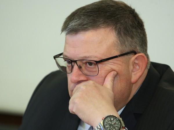 Главният прокурор Сотир Цацаров даде на Инспектората на ВСС съдия