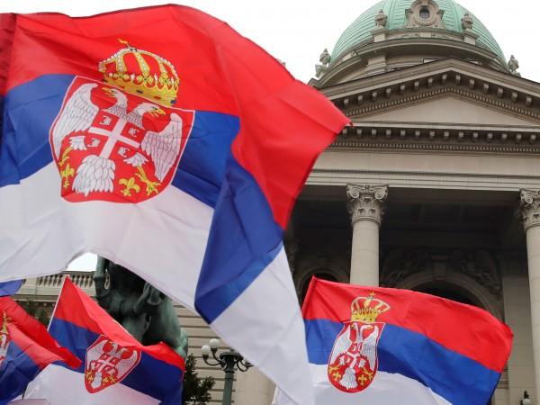 Американец пристига в Сърбия да ни заплашва със санкции, пише