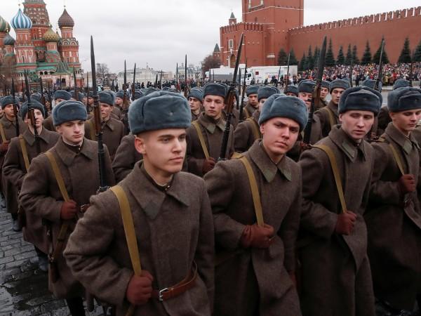 На Червения площад в Москва се проведе тържествен марш, посветен