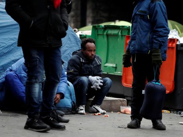Френската полиция започна тази сутрин мащабна операция за премахване на