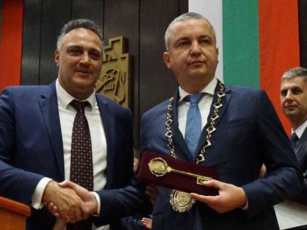 Преизбраният кмет на община Варна Иван Портних положи клетва за