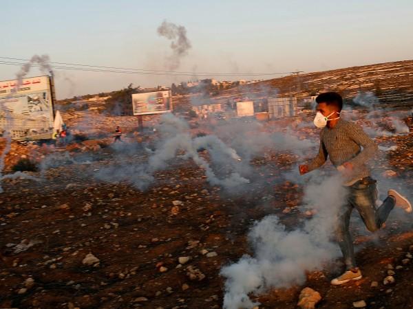 Израелските сили застреляха палестинец при сблъсък с хвърлящи камъни протестиращи