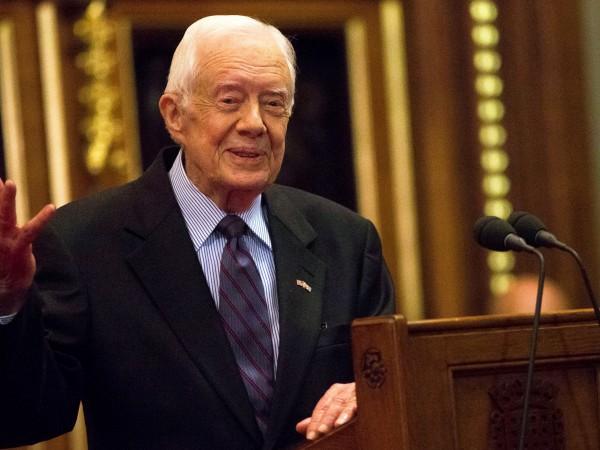 """Бившият американски президент Джими Картър постъпи в университетската болница """"Емъри"""""""