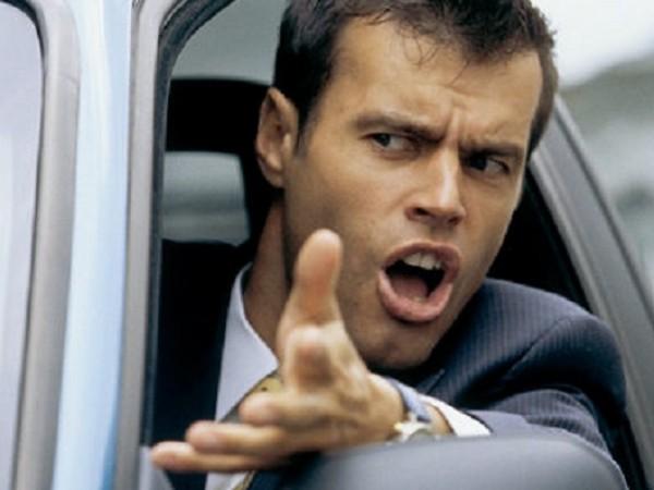 Какво най-много дразни шофьорите? Според участниците в проучване на сайт