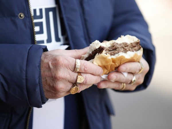 Американската верига за бързо хранене Burger King започна да продава
