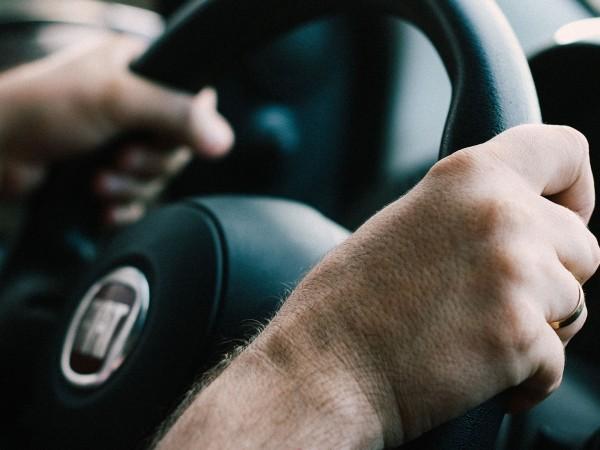 Повече практика и по-малко теория за бъдещите шофьори. Това гласят