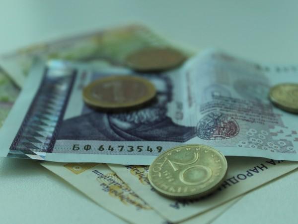 Средната брутна работна заплата за юли е 1 257 лв.,