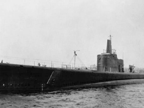 На 28 януари 1944 година подводницата The Grayback тръгва от