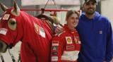 """Дъщерята на Шумахер """"яхна Ferrari"""" в чест на баща си"""