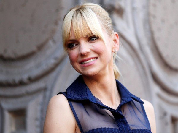 Ана Фарис потвърди, че се е сгодила за кинооператора Майкъл