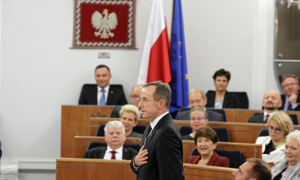 Криза в Полша? Правителството подаде оставка