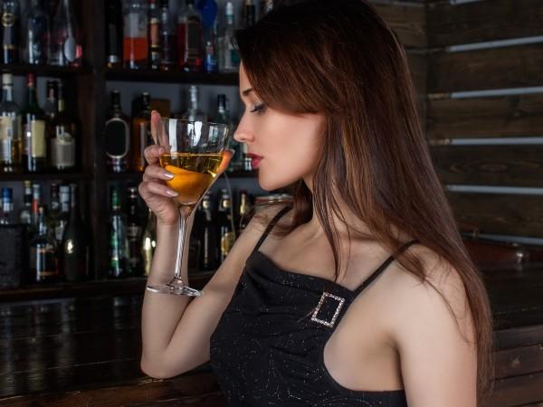 Сигурно ви се е случвало да пиете алкохол по време