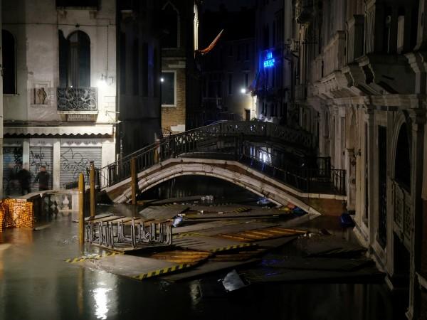 """За шести път за 1200 години, подът на базиликата """"Сан"""