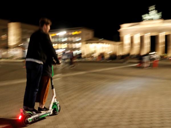 Електрическите тротинетки разпалват страстите не само в България. В Германия