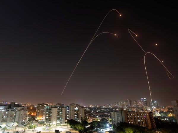 Шестима цивилни палестинци, всички те от едно семейство, бяха убити