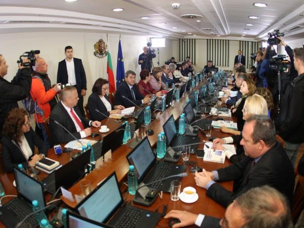 Пленумът на ВСС реши да продължи процедурата за избор на