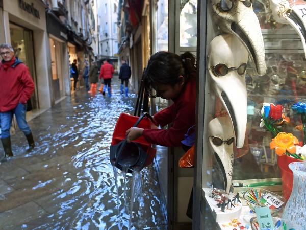 Във Венеция днес се очаква покачване на нивото на водата