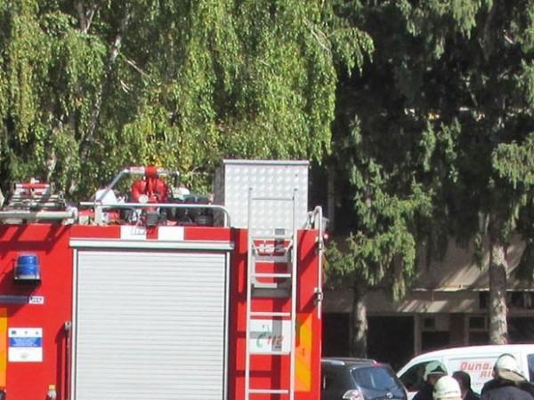 Пожар избухна във ферма за птици в село Зарево, община