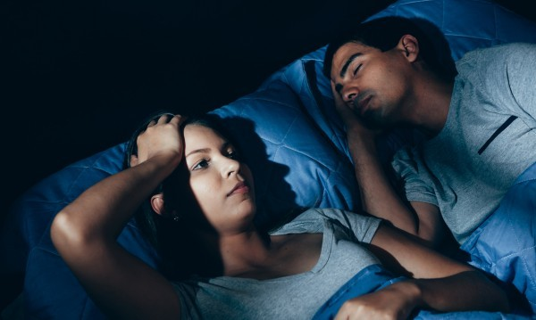 Заспивате бързо и лесно, дори сънувате, но по средата на