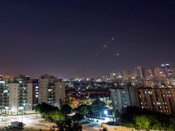 Израелската армия започна да нанася удари тази сутрин по обекти