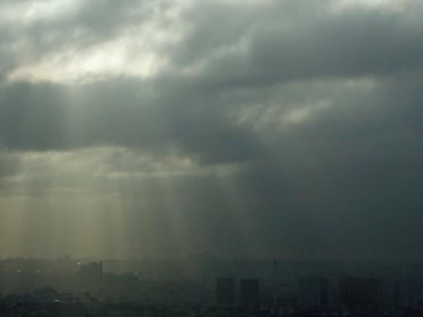 В неделя в равнинната част от страната ще преобладава облачно