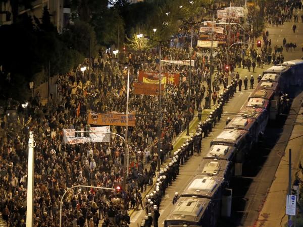 Гръцката полиция арестува 28 души по време на безредиците в