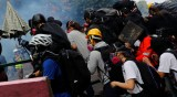Протести по света: От Хонконг, през Техеран до Кочабамба