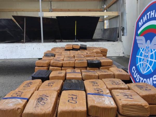 Общо 93,6 кг хероин за повече от 3,6 млн. лева,