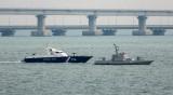 Русия върна на Украйна трите катера от Керченския проток