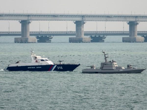 Русия предаде на Украйна трите плавателни съда, задържани миналата година