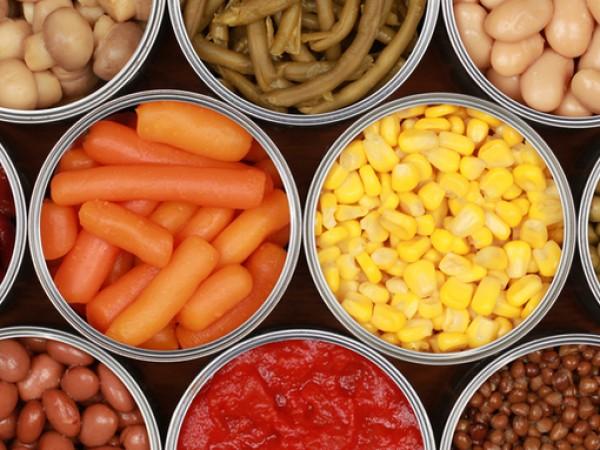 Храните в консерва са вредни. Така сме свикнали да смятаме