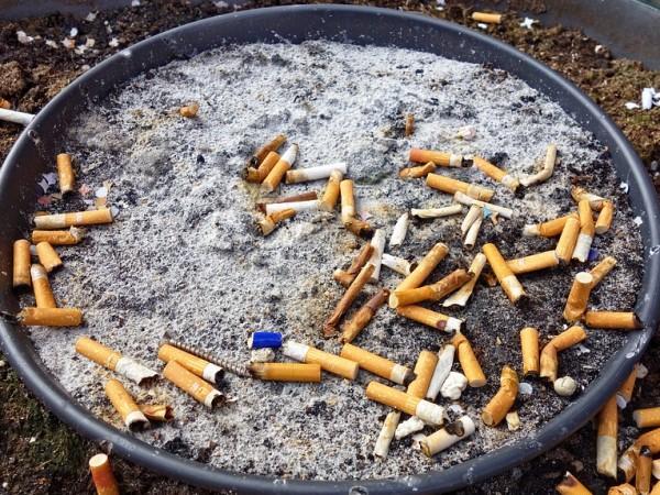 Хвърлянето на цигарен фас по улиците на Брюксел може да