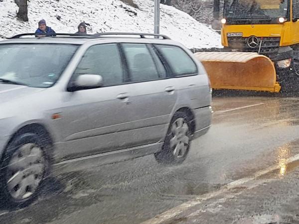 Зимното поддържане на пътищата започва от утре. Със заповед на