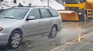 3000 снегорини в готовност да чистят 20 000 км пътища от утре