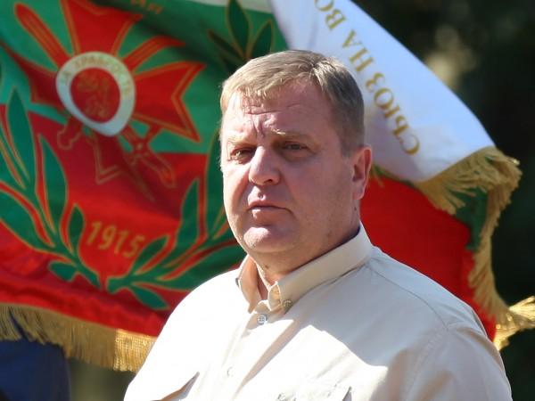 Вицепремиерът Красимир Каракачанов подаде сигнал до главния прокурор за опити