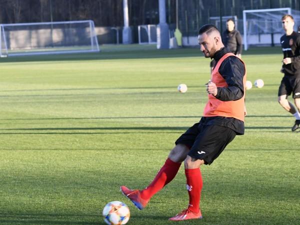 Българският национал Симеон Славчев ще напусне шампиона на Азербайджан по