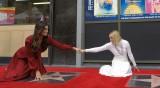Рядкост: Две актриси заедно на Алеята на славата