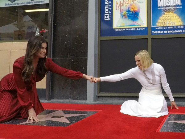 Две актриси получиха едновременно звезди в Алеята на славата, което
